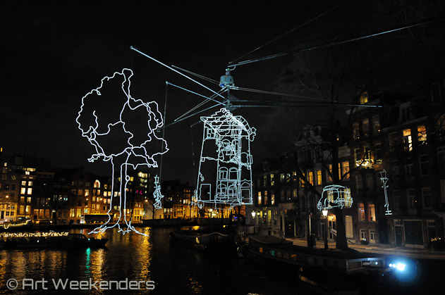 The-Netherlands-Amsterdam-Light-Festival-2013-Drawn-In-Light-Lydian-Brunsting
