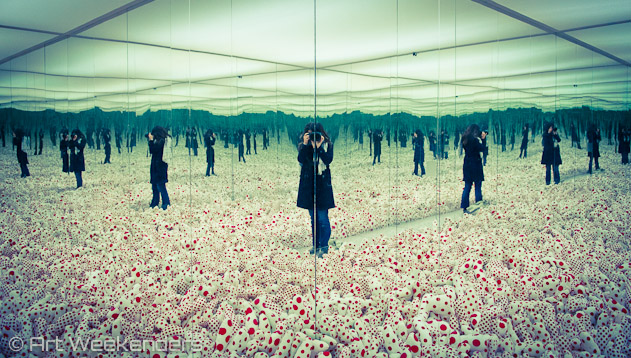 The-Netherlands-Rotterdam-Boijmans-Van-Beuningen-Mirrored-Infinity-Room-Yayoi-Kusama-ArtWeekenders-Lydian-Brunsting