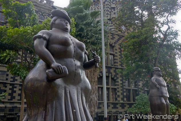 Colombia-Medellin-Plaza-Botero