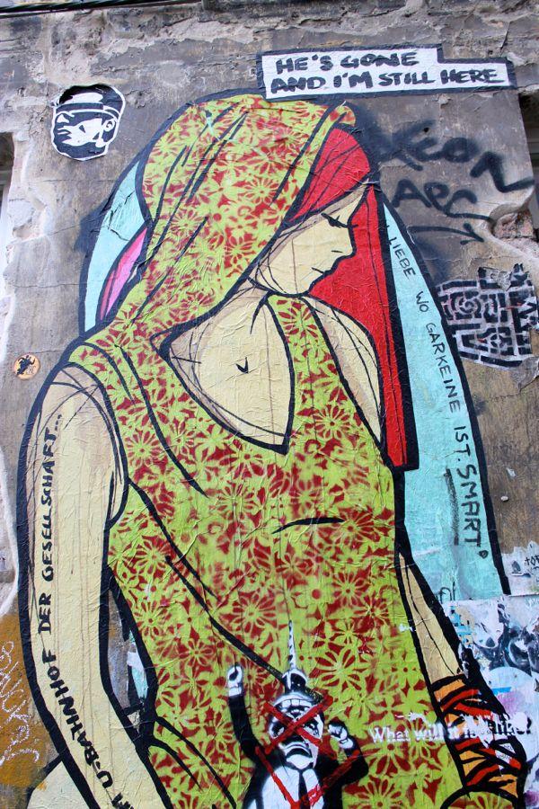Germany-Berlin-Streetart-Alley-Mitte3