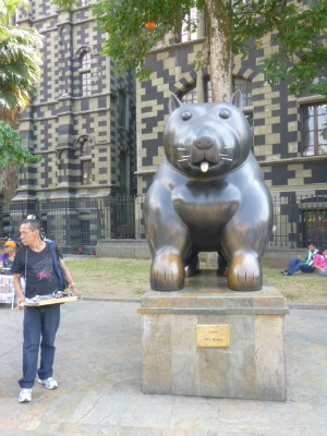 Botero - Cat - Medellin - Botero's Sculptures Around the world