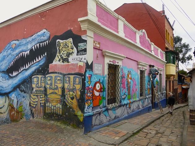 Colombia-Bogota-street-art-Corrosivo-Carsal