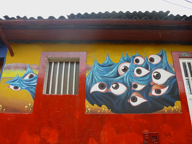Colombia-Bogota-street-art-eyes