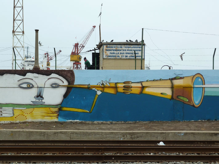 Chile-Valparaiso-Street-Art-Harbour