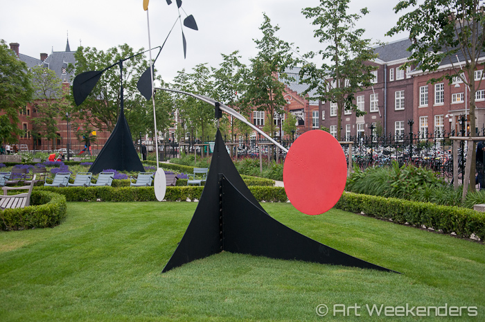 The-Netherlands-Amsterdam-Rijksmuseum-Calder-garden
