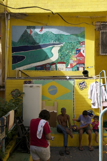 Brazil-Rio-street-art-favela