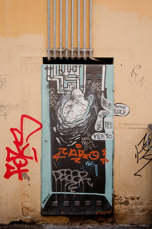 Street art Bologna 2014_paste_up_heart-tubes