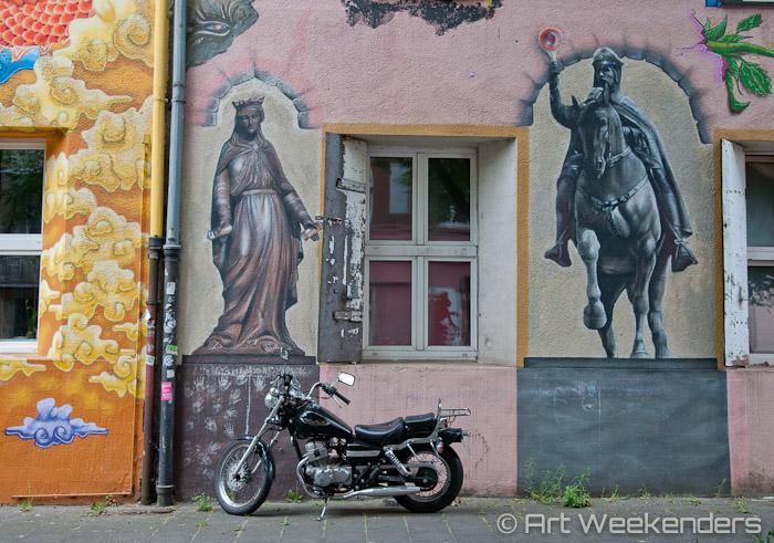 2015-Germany-Duesseldorf-Kiefernstrasse-motorcycle