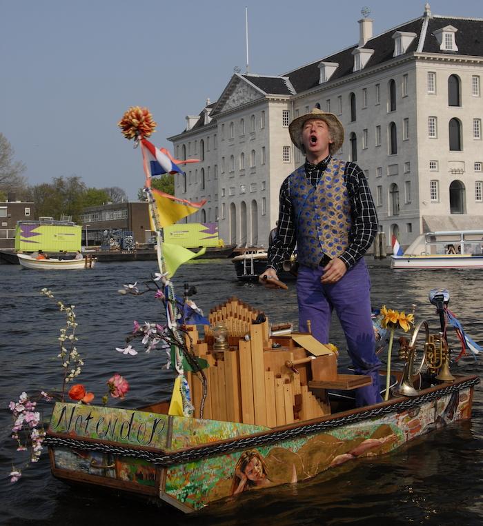 Boat-Muziekboot-Notendop-Amsterdam