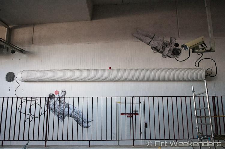 Paris-Gare-du-Nord-Street-Art-Quai-36-Levalet
