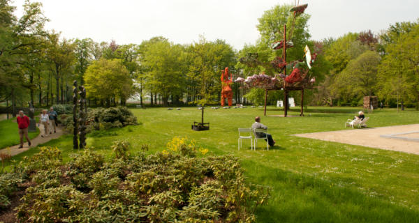Sculpture Garden DeFundatie Castle Het Nijenhuis. Must-See Exhibitions In The Netherlands 2018